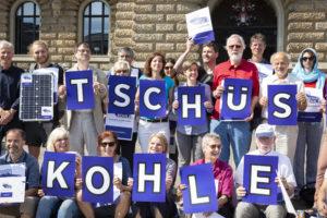 Foto Tschüss Kohle Übergabe Unterschriften Rathaus II (c) Daniel Müller